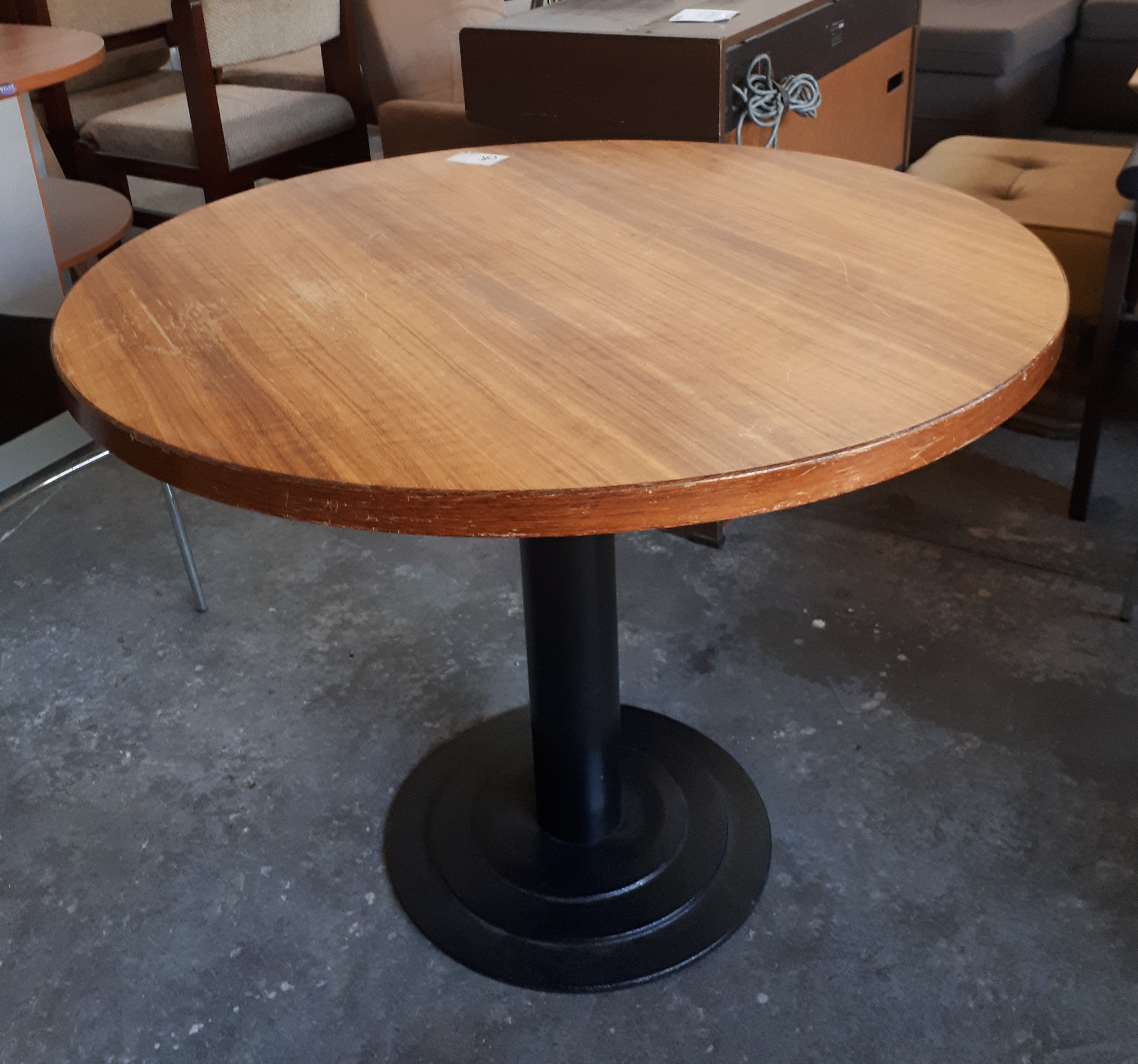 Round meeting table office furniture plus - Clearance home office furniture ...